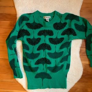 Vintage Kelly green ginkgo print sweater w beads